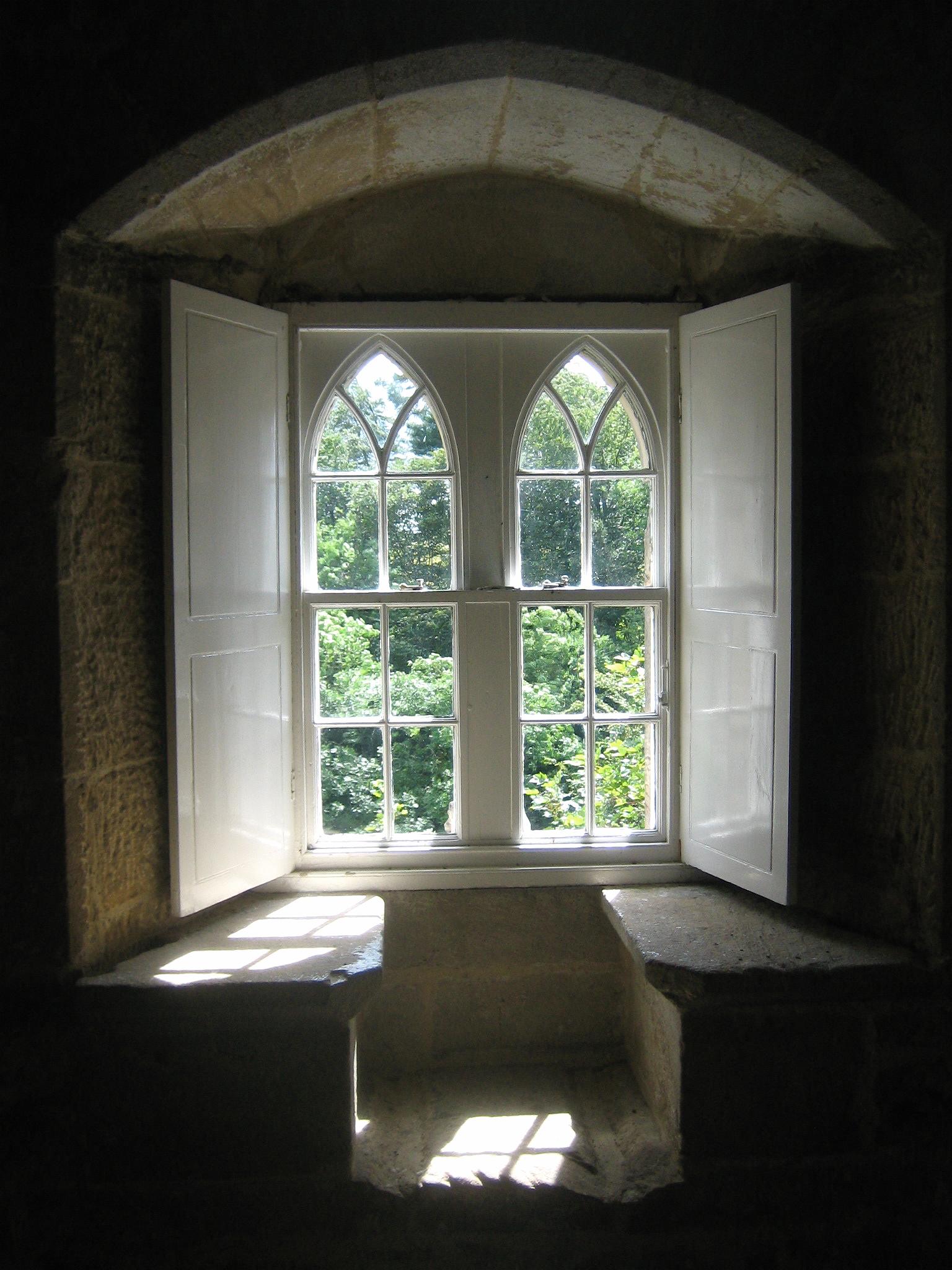 Window by Akuppa John Wigham, flickr
